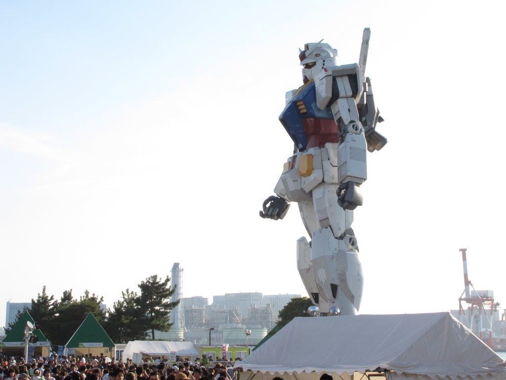 The RX-78 2 statue in Odaiba, Tokyo